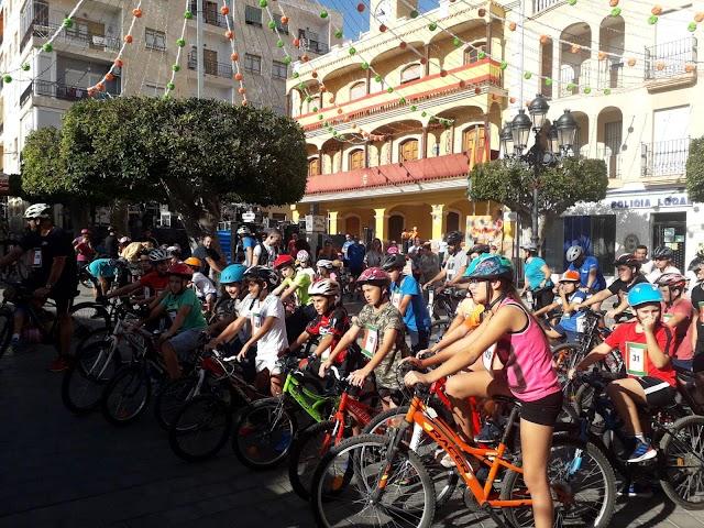 El Día de la Bicicleta congregó a multitud de ciclistas.