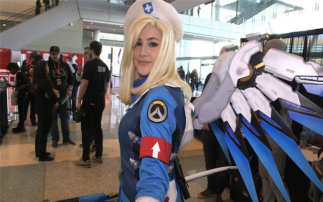 OverWatch Mercy Cosplay Themes & New Tab
