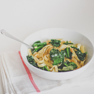 Fettuccine with Kale and Caramelized Onions.