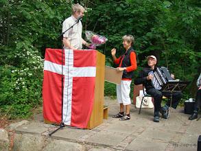 Photo: En overrasket Lene Gisselmann modtager Fællesrådets pris