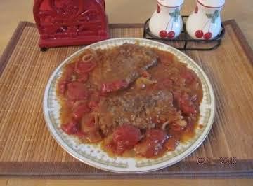 Boneless Beef Cubed Steak in Tomato, Onion Gravy