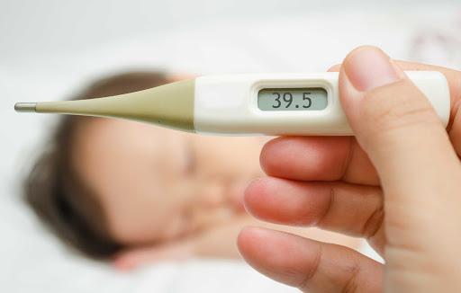 Bệnh tay chân miệng và các dấu hiệu gợi ý nguy cơ biến chứng