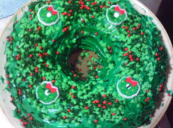 This How My Wreath Cake Looked When It Was Done