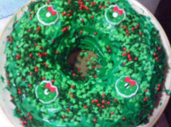 Grace's Christmas Wreath Cake Recipe