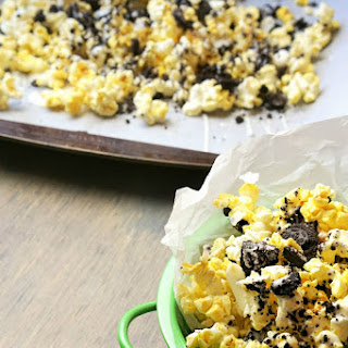 Drizzled Cookies and Cream Popcorn