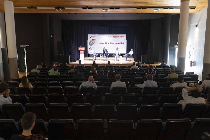 La Escuela Municipal de Música y Artes de Almería ha sido el escenario de la jornada.