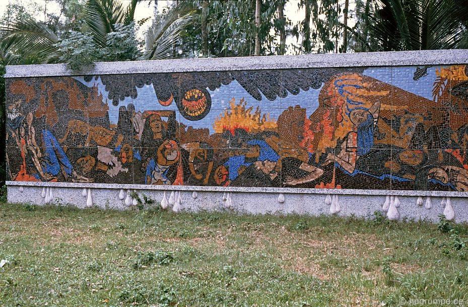 Đài tưởng niệm My Lai: Mosaic