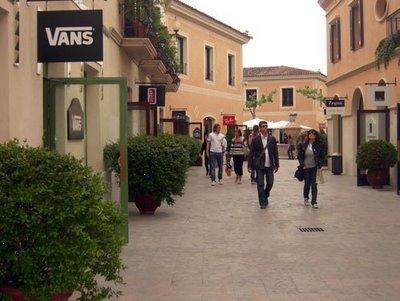Photo La Roca Village