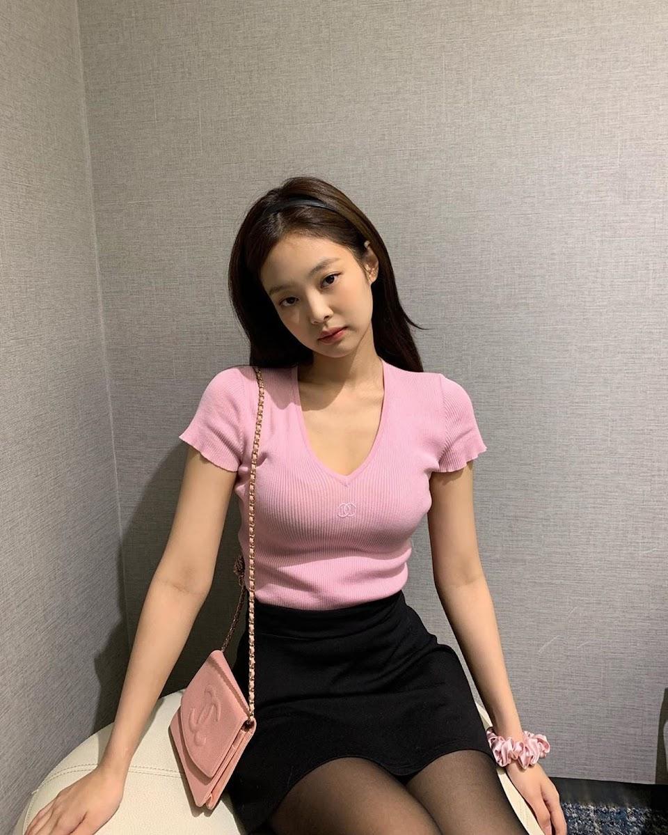 Jennie pink3