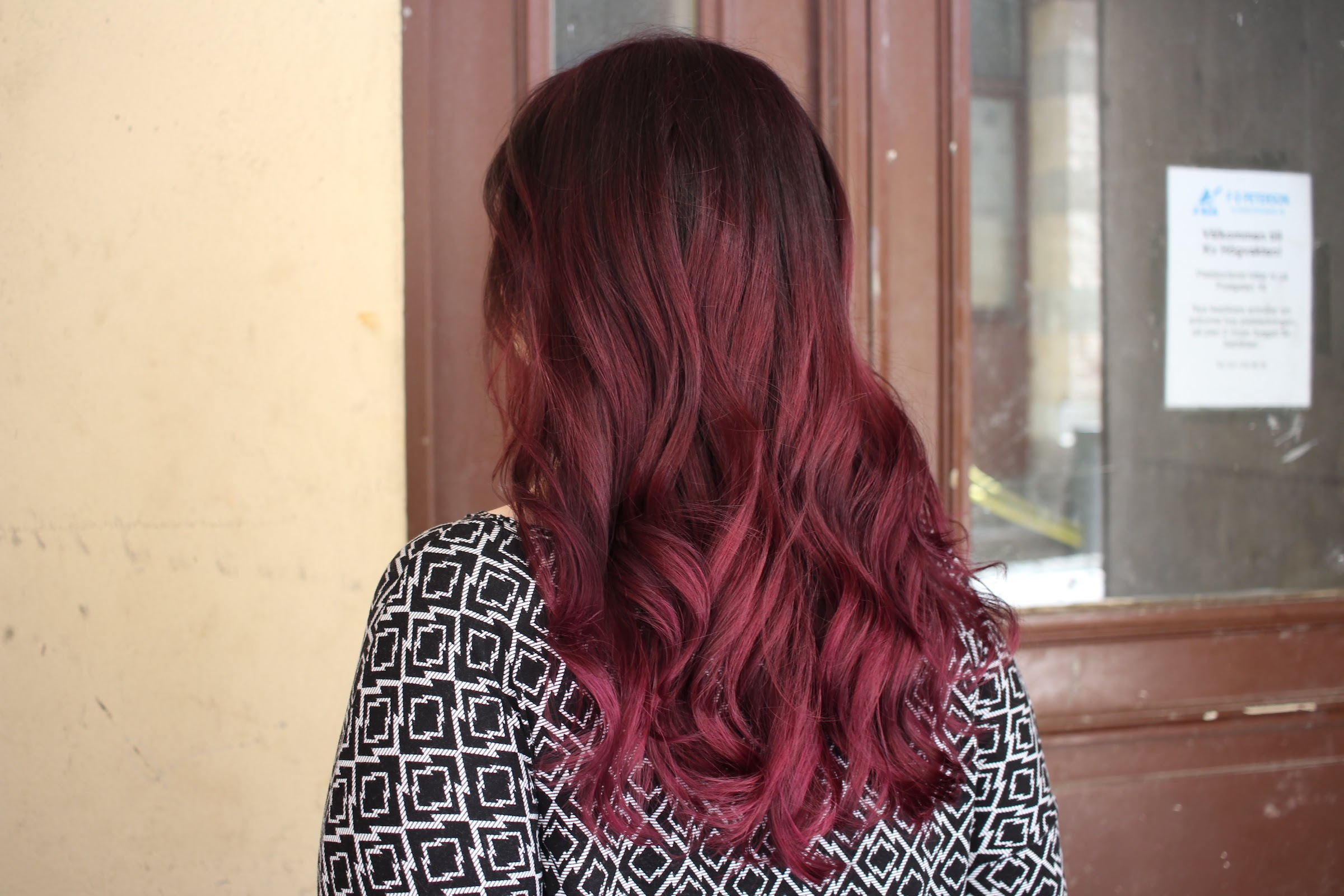 få bort röd hårfärg