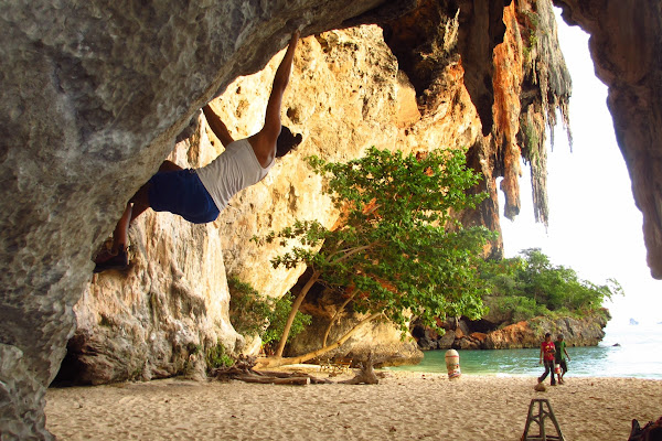 Bouldering at Phra Nang Cave Beach