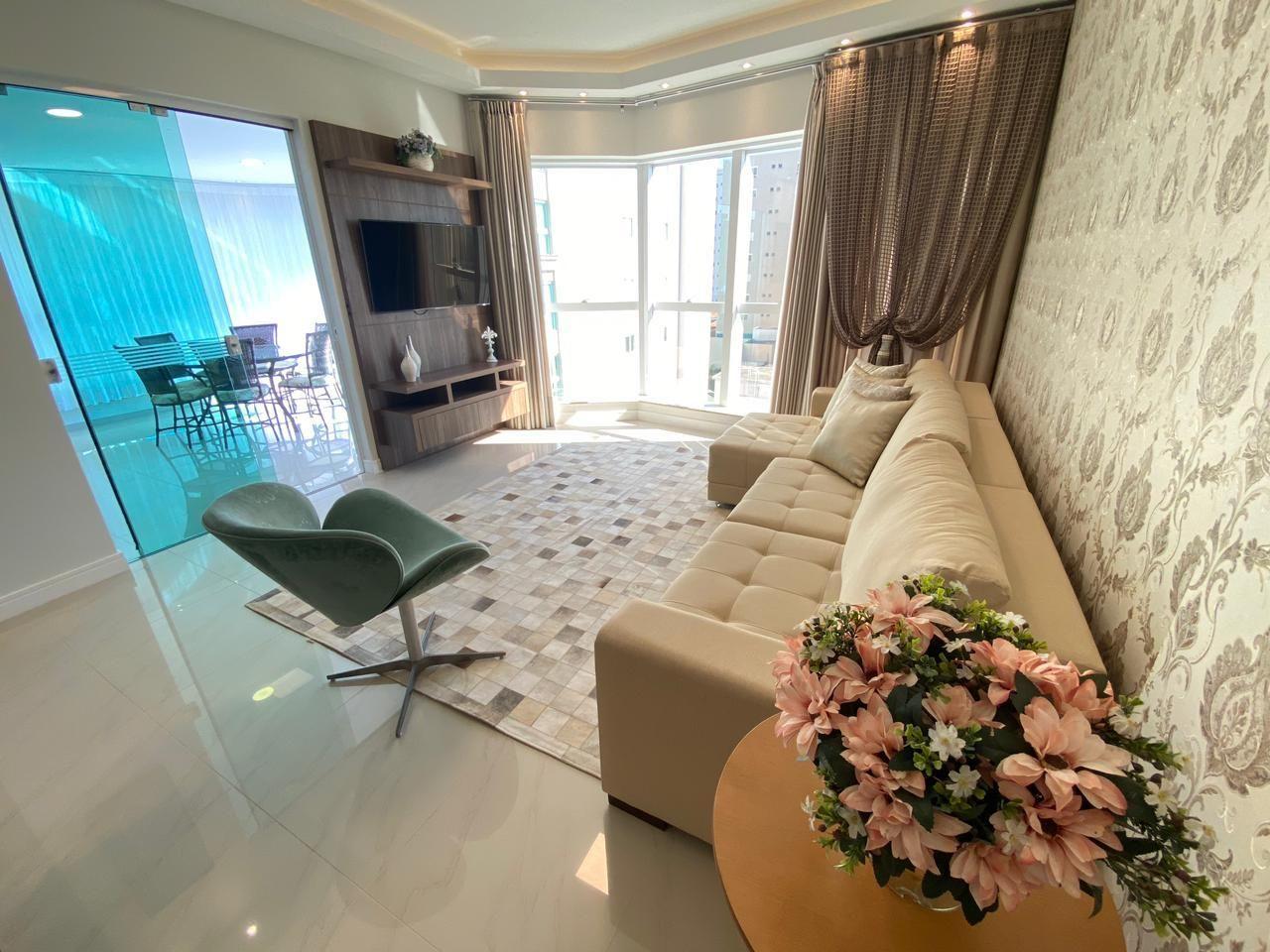 Apartamento com 4 Dormitórios à venda, 170 m² por R$ 1.600.000,00