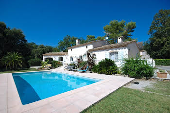 Villa 5 pièces 260 m2