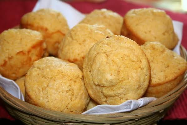 Sour Cream Corn Muffins