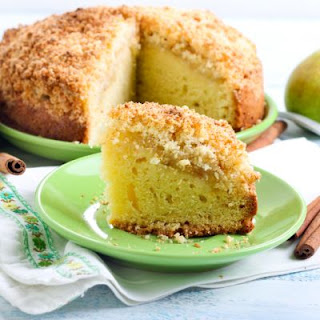 Slow-Cooked Pear Cake with Crumble Topping
