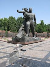 Photo: Tashkent, earthquake 1966 memorial