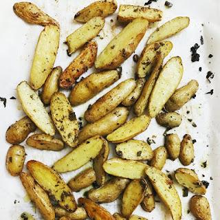 Dec 28 SAGE GARLIC ROASTED FINGERLING POTATOES Recipe
