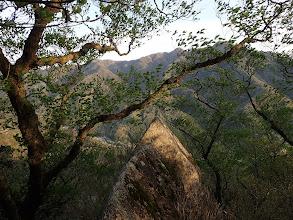 岩場の末端から釈迦ヶ岳方面