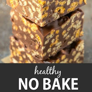 Healthy No Bake Chocolate Peanut Butter Cereal Bars.