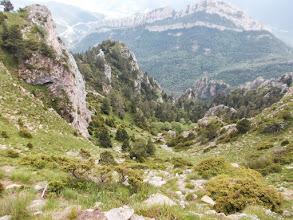 Photo: les Canals de descente depuis Moixero vers le Coll d'Escriu et le GR 107 : impressionnant quand même