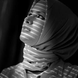 by Harry Patriantono - Black & White Portraits & People