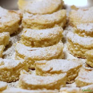 Kossuth Kifli (Half Moon Cookies).