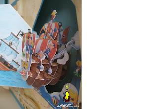 Photo: autre vue du bateau balançoire pop-up