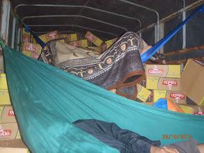 Photo: Ngủ trên xe chở qùa qua đêm