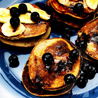 Gluten-Free Oats, Banana and Blueberry Pancakes Recipe
