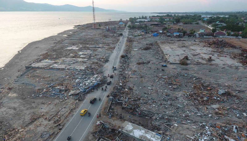 Up to 20 countries helping in tsunami-struck Indonesia