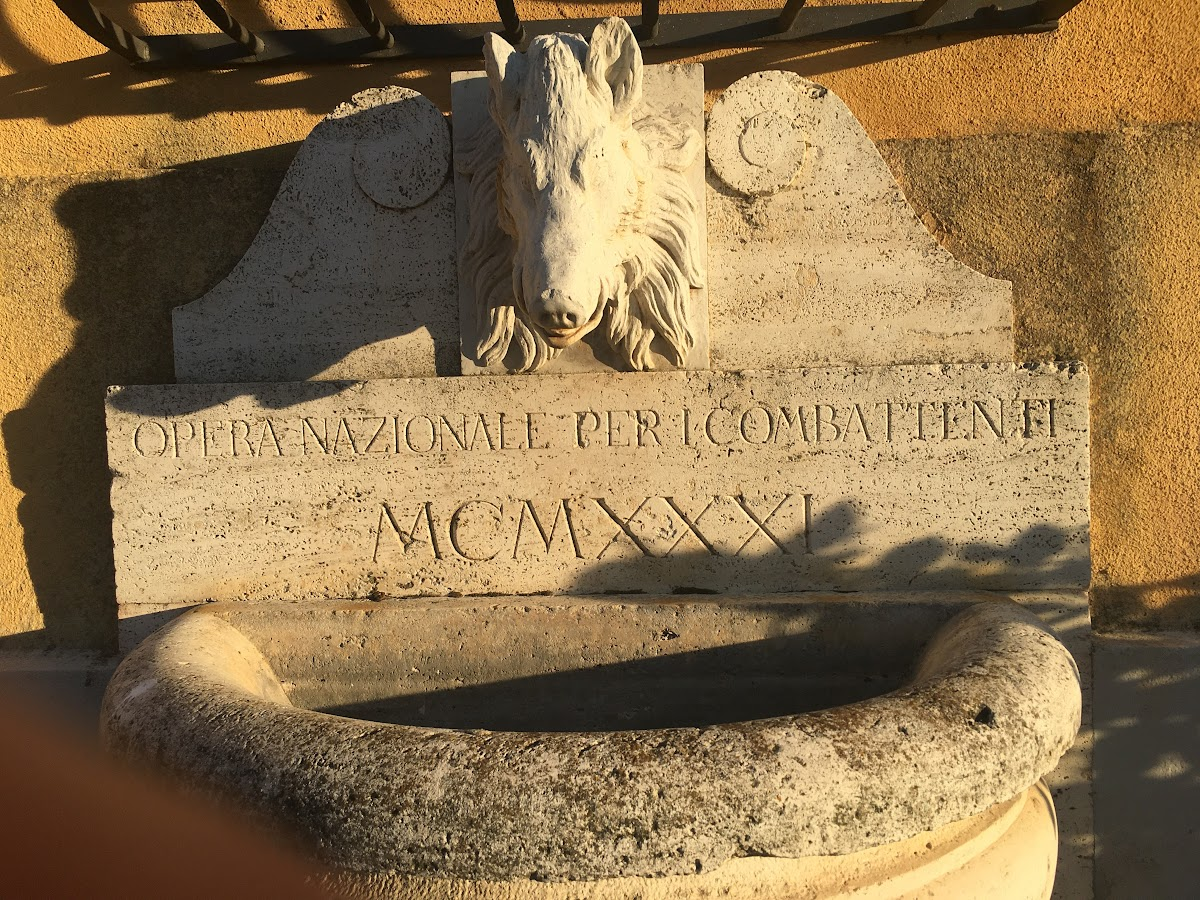 Alberese, Villa Granducale, lapide Opera Nazionale Combattenti MCMXXX