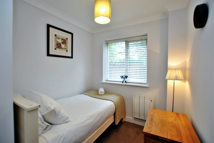 Single bed bedroom at Elizabeth Court