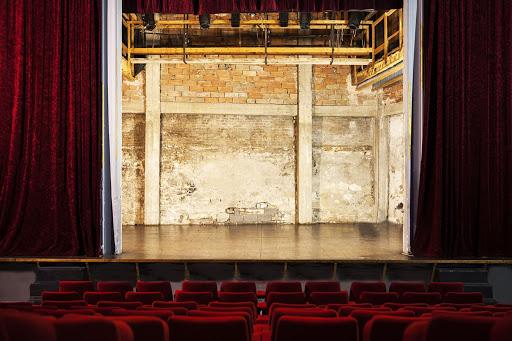 Scène du théâtre des carmes
