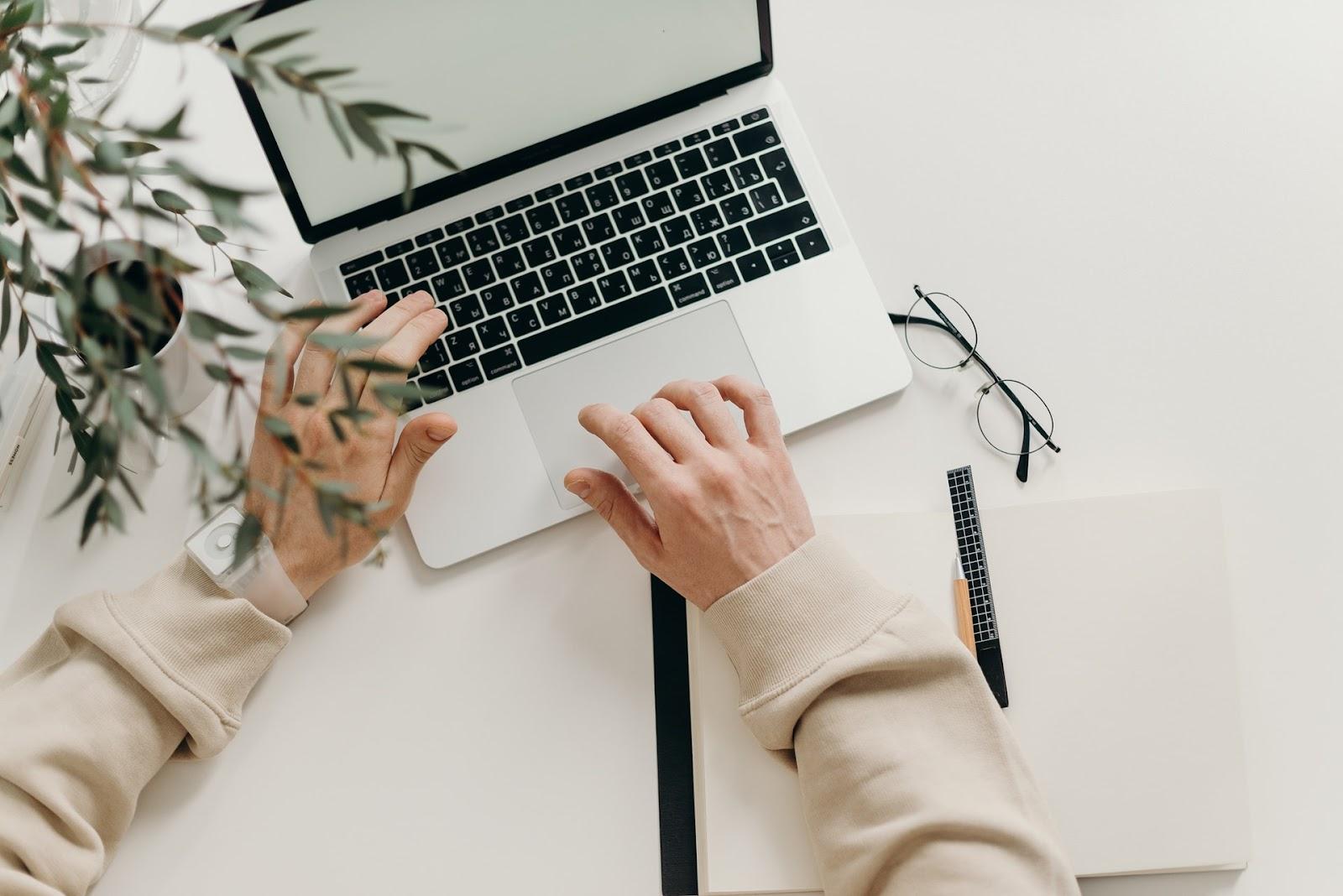 Side hustle to make money - Freelance writer
