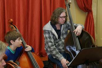 Photo: Два контрабасиста, приехавших из Альты (Норвегия) со своими инструментами, существенно украсили звучание оркестра.