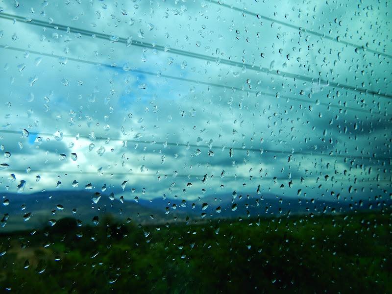 Treno, pioggia, velocità di Lalunanelpozzo_69