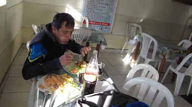 Photo: Hector Ballon comienfo en el Riso Nazca-Cusco en bici 30-Jun. al 07-Jul. (2012)