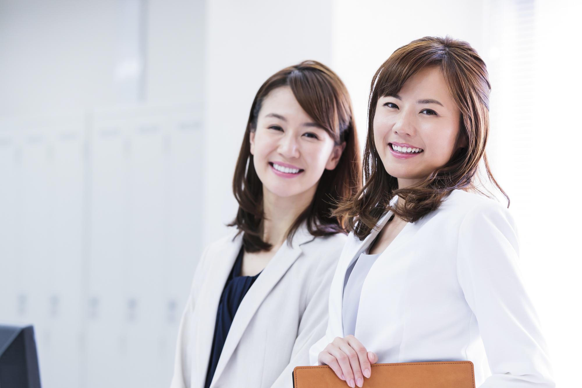美容部員の転職にプロの転職エージェントを利用すべき3つの理由
