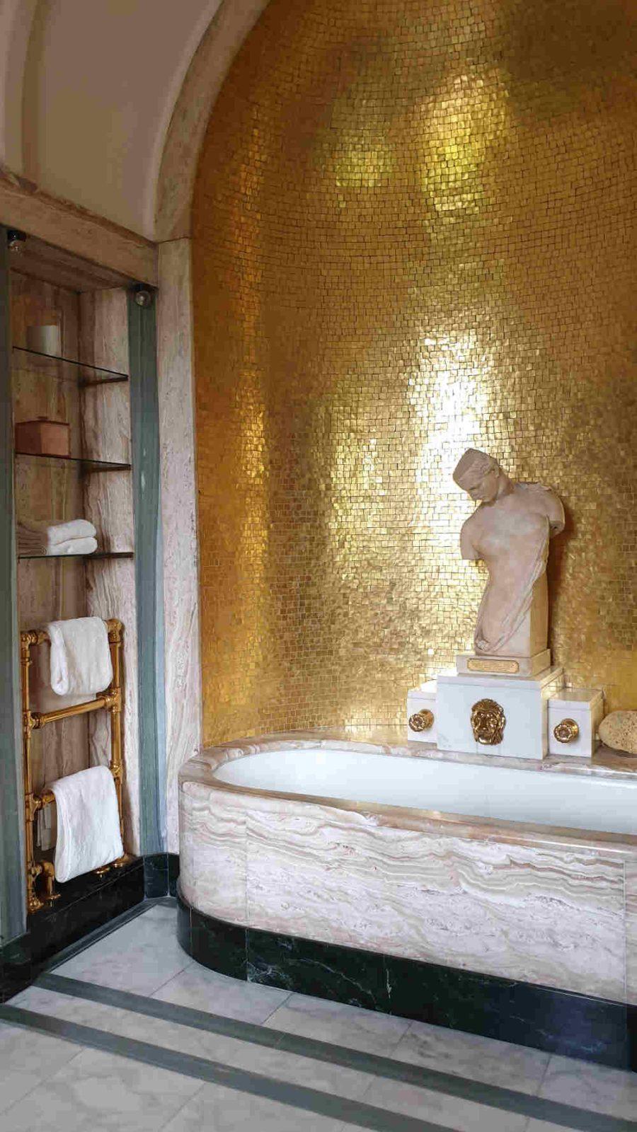 Virginia Courtauld bathroom, Eltham