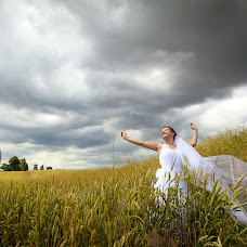 Wedding photographer Kamil Kowalski (kamilkowalski). Photo of 08.09.2014