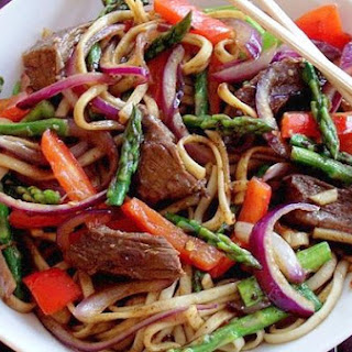 Spicy Beef, Pepper & Asparagus Udon Noodles
