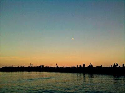 Sunrise over sea di lucrexia1993