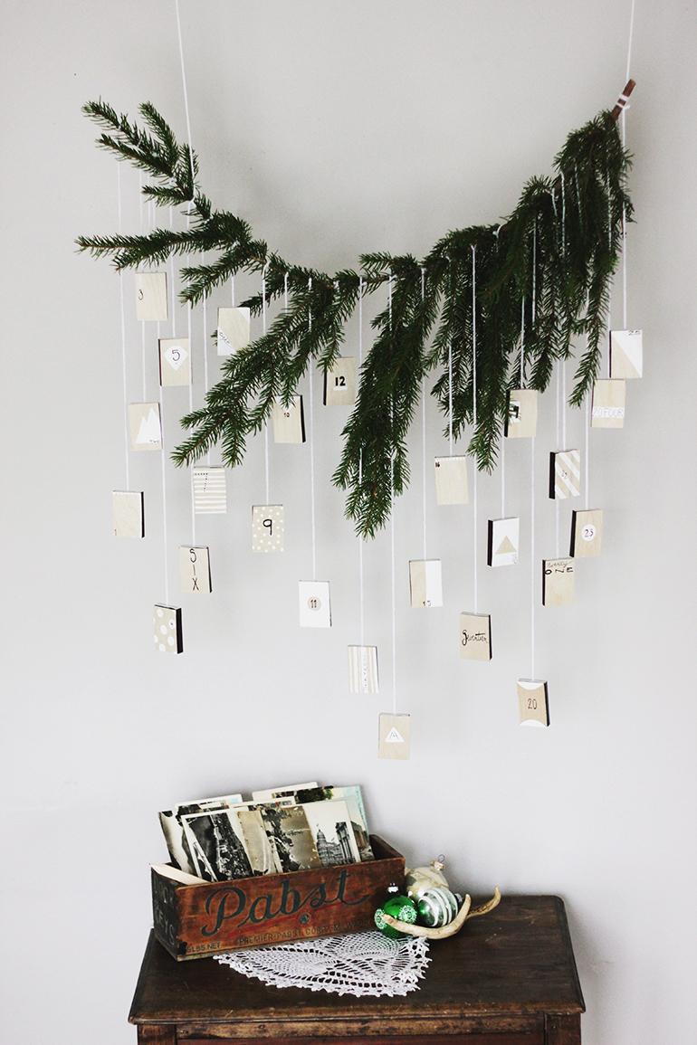 DIY Christmas Wall Decor using Tree Branches ideas