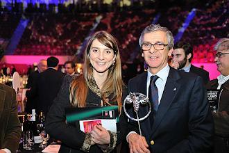 Photo: Responsáveis da Quinta do Sanguinhal com o prémio da Revista de Vinhos