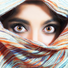 syrian eyes by Royce Aldrich Centeno - People Body Parts