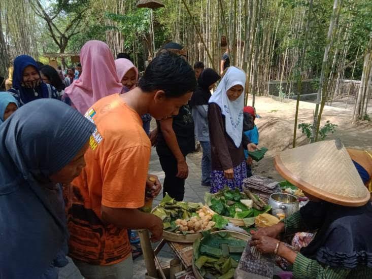 Wisata Pasar jadul Kabupaten Ngawi