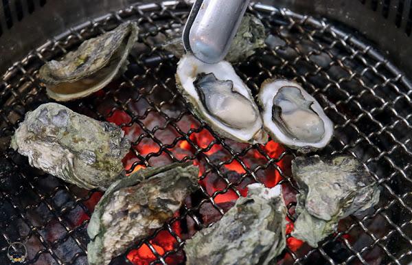 燒肉吃到飽  滿滿肉肉好滿足,帶殼牡蠣和撥殼蝦超推薦。「炭比多碳火燒肉」|烤肉|