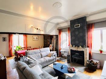 Maison 10 pièces 276 m2