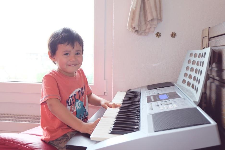 Best Electronic Keyboard for Beginners