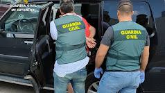 La Guardia Civil ha detenido a un persona buscada por la Justicia.